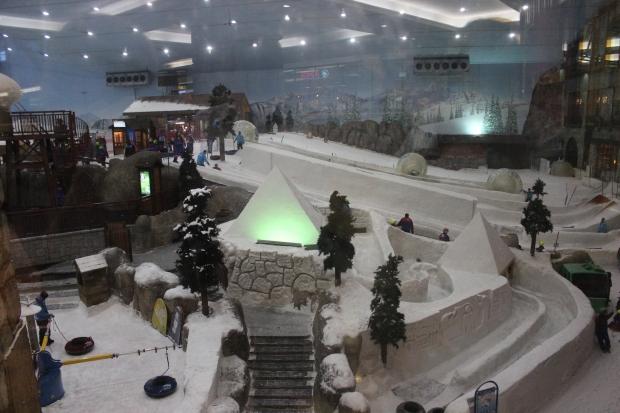 """Ski Dubai"", a big indoor Ski slope inside the Mall of the Emirates"